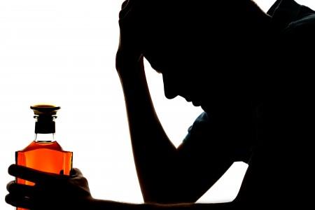 Simptome de alcoolism? Afla cu 2 intrebari