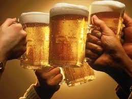 Consumul moderat de alcool faciliteaza creativitatea