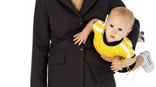 Mama sef la birou, nu mai e sef acasa